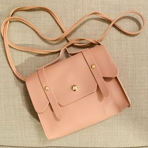 NEW Pink Macaroon Clamshell Crossbody